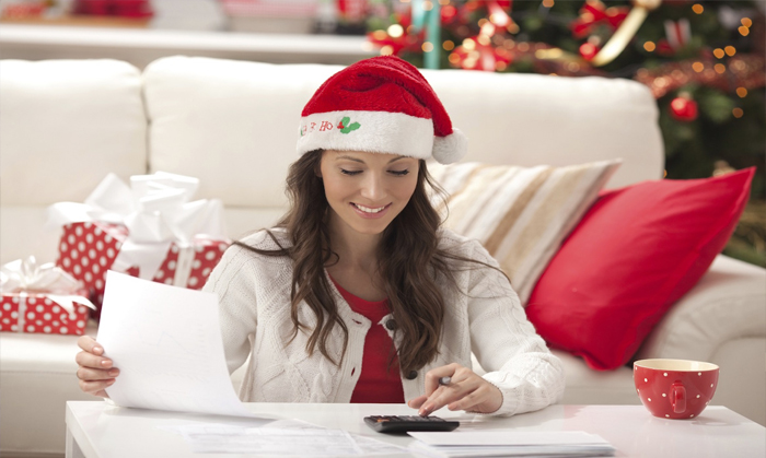 Clever Ways to Avoid Overspending During Holidays