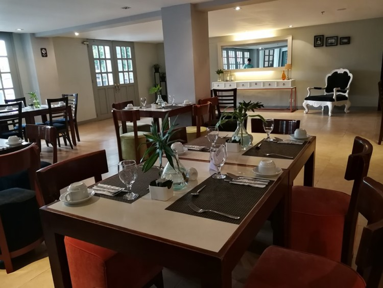 3 Reasons To Dine & Unwind at Almont City Hotel 4