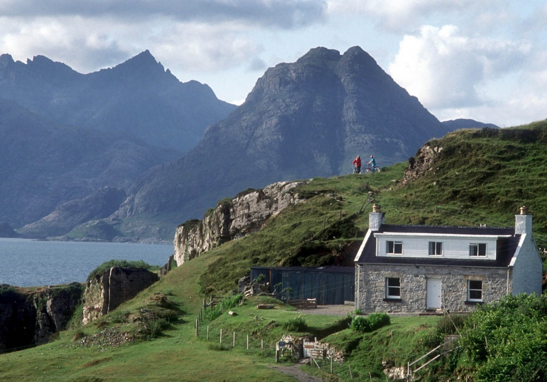 5 Awesome Reasons To Visit Lochside Holiday Cottages In Scotland