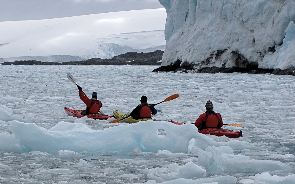 Essential winter kayaking gear: Canoeing in cold weather